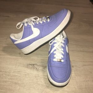 Nike Air Force 1 sz 9 Canvas Low Tops Sneakers